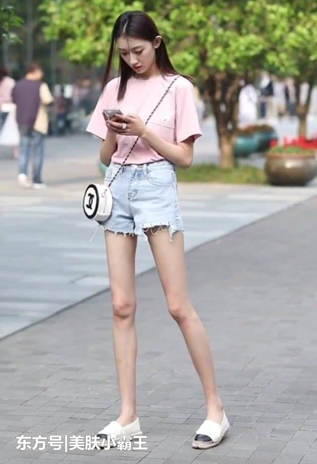 街拍女神:随处可见的潮搭小姐姐,是时尚界的引领者
