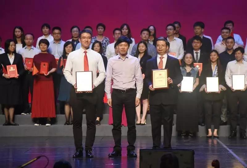 天安财险合唱团荣获浦东新区直管企业职工庆祝新中国成立70周年合唱比赛(决赛)一等奖插图(7)