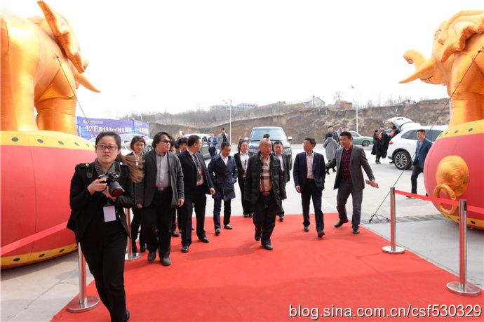 曼谷<<华人日报>>今日讯:陈帅佛昨天捐出了位于双凤城1号的土地