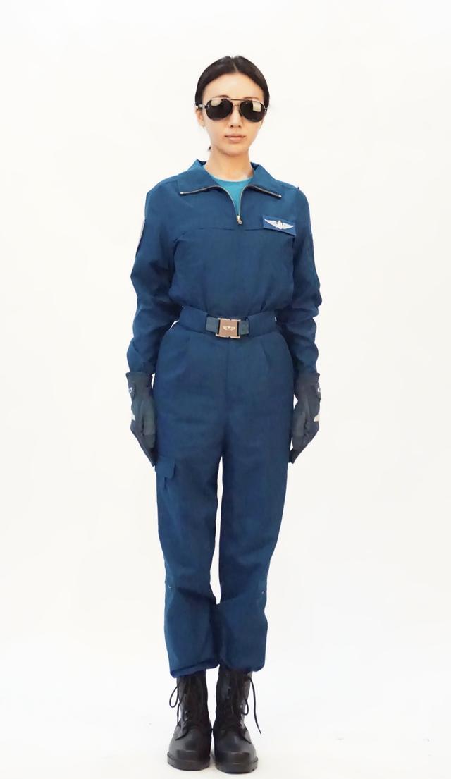 十一钜献《我和我的祖国》上映 游乐儿饰演女飞行员献礼华诞