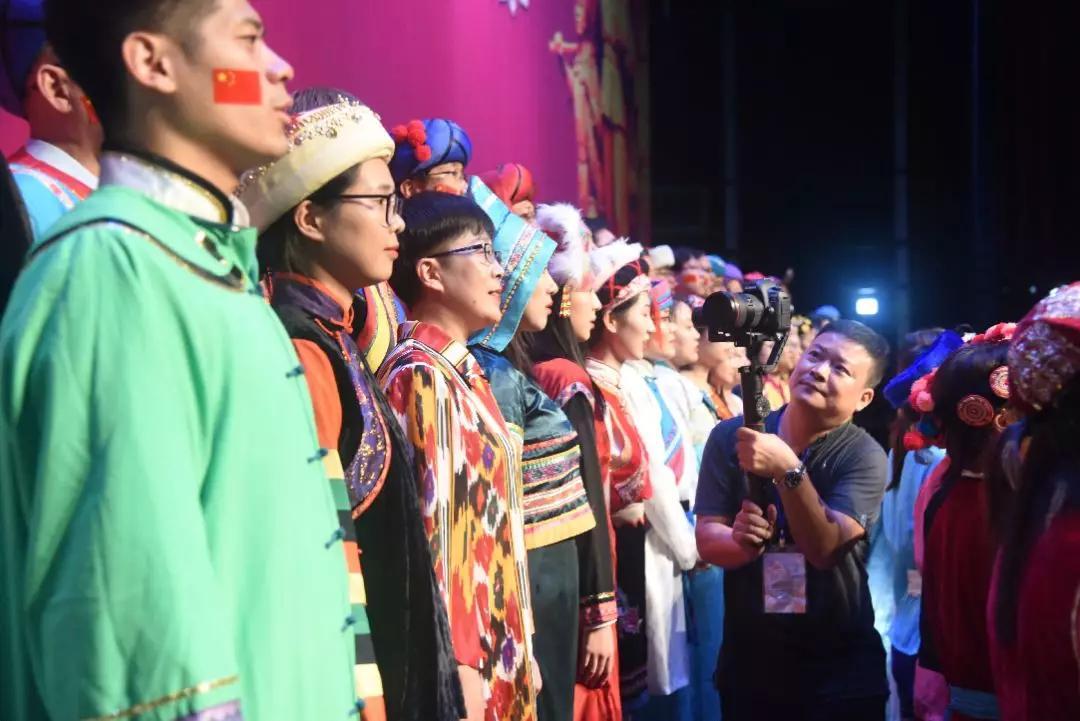 天安财险合唱团荣获浦东新区直管企业职工庆祝新中国成立70周年合唱比赛(决赛)一等奖插图(5)
