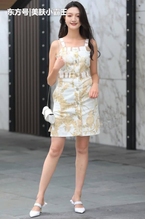 街拍女神:干净利落的女性穿搭,秀出不一样的时尚魅力