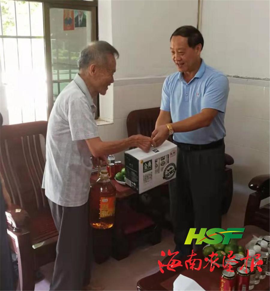 龙江农场公司开展慰问离休老干部活动