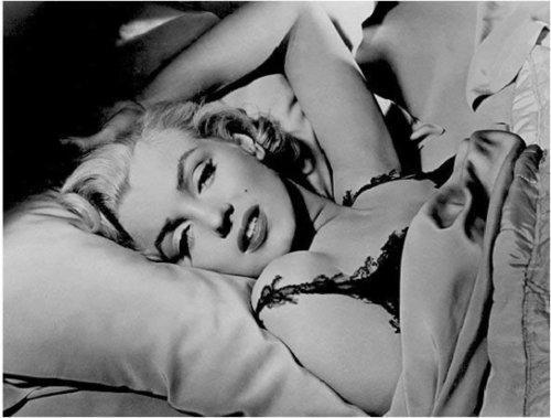 好莱坞性感女神玛丽莲.梦露写的小诗,原来她还是才女