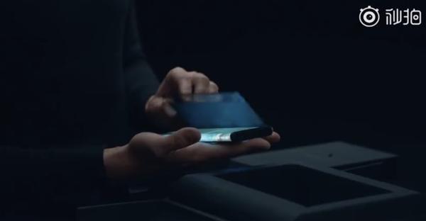 小米MIX Alpha官方开箱视频:礼盒设计、配原装保护壳的照片 - 5