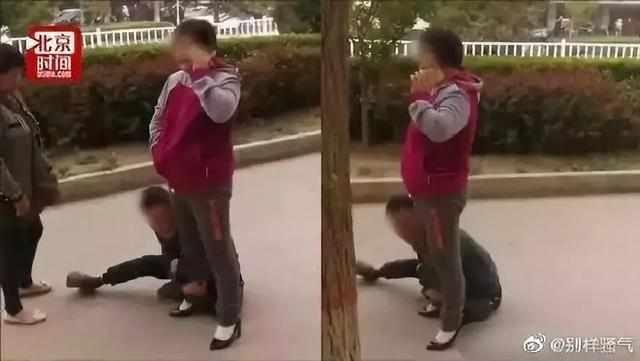 事发青岛!快递员被一女子暴打!只因……边上还有孩子
