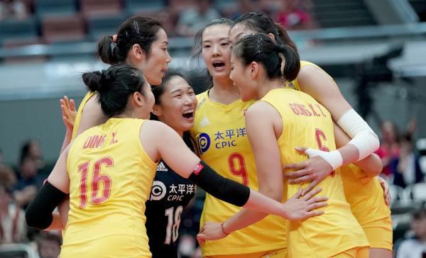 十全十美!中国女排击败塞尔维亚,提前一轮卫冕世界杯冠军
