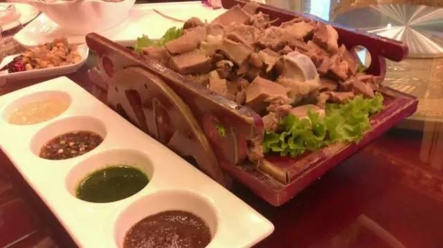 热点:呼伦贝尔的草原美食VS呼伦贝尔林区美味,口水根本止不住!