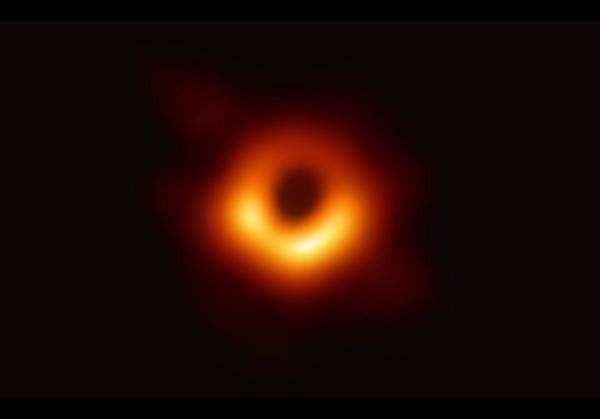 NASA绘制迄今最精确黑洞图像接近《星际穿越》卡冈图雅