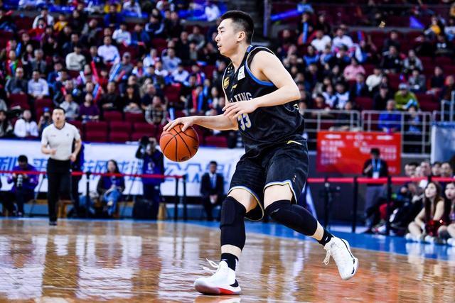 力压方硕翟晓川!王骁辉新赛季将担任北京男篮新队长