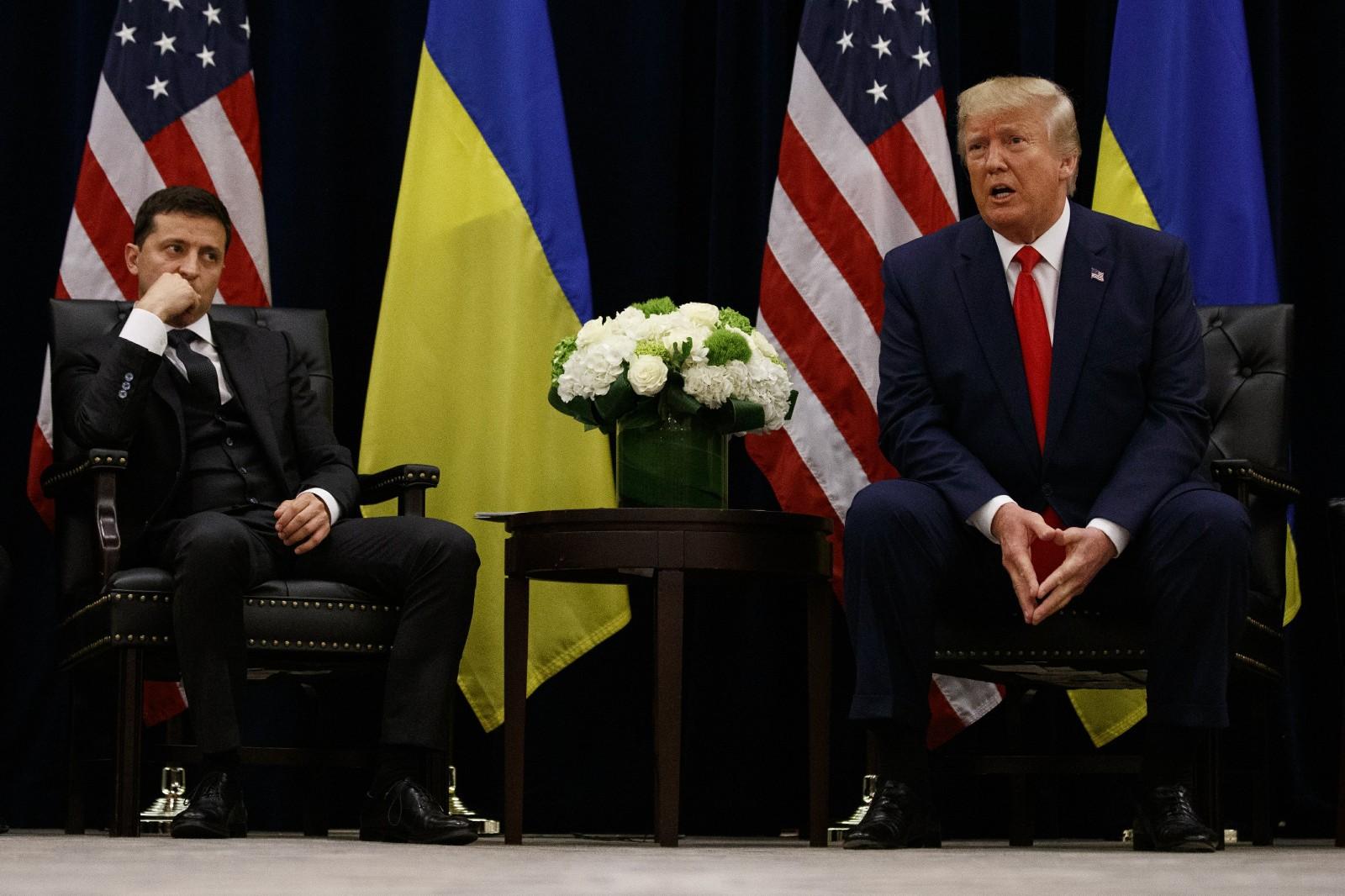 <b>白宫试图隐藏特朗普与外国领导人的通话记录,可能将破坏美国安全</b>