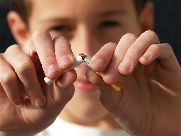 俄罗斯将禁止在阳台吸烟!引烟民吐槽:太难了!还能去哪?