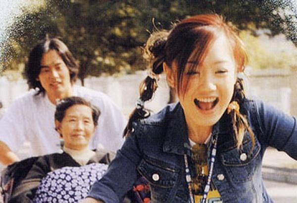 胡歌前女友薛佳凝曬最新寫真,哈妹41歲仍未婚,卻依然少女感滿滿