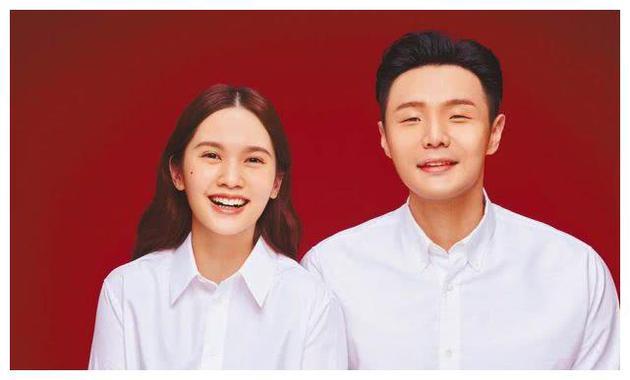 黄小柔曝杨丞琳婚后不急生小孩 与李荣浩聚少离多_恋情