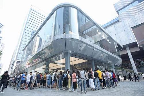 華為組建直營體系 深圳開出首家旗艦店