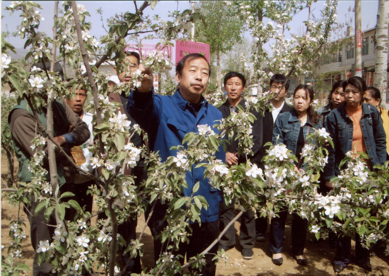 河北農大教授李保國被授予人民楷模,去世後妻子接力扶貧