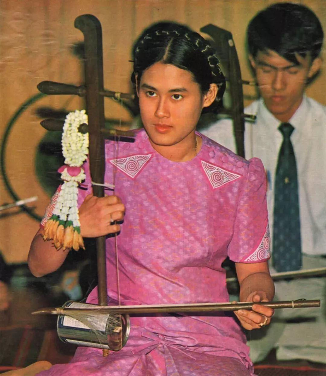 泰国王室访问中国第一人:诗琳通公主为何获得中国友谊勋章?