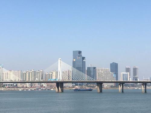 中国一天的经济总量_美好的一天图片