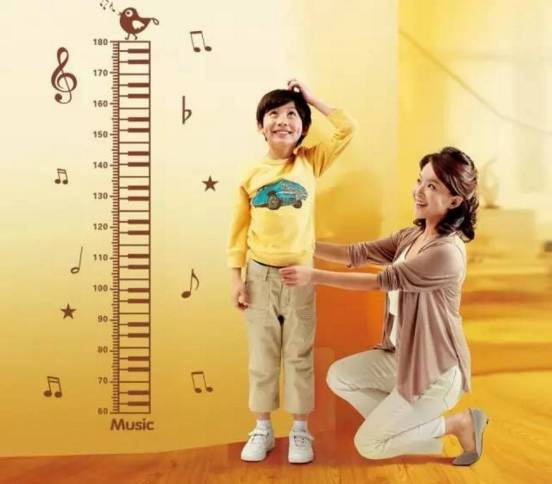 孩子太矮怎麼辦?做到這幾點。身高蹭蹭的長,爸媽趕緊學起來