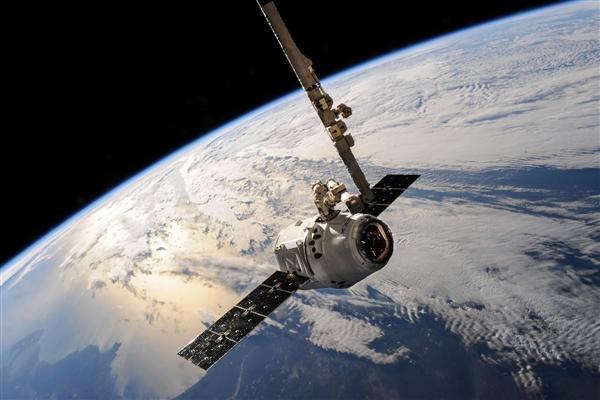自主产权卫星通信来了_!中国电信天通卫星电话在广西试商用