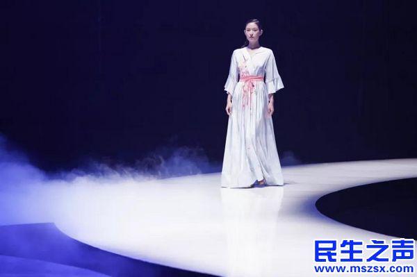 """国内首个自闭症画家""""毕昌煜BCY""""""""2019-爱你依旧""""服饰发布会"""
