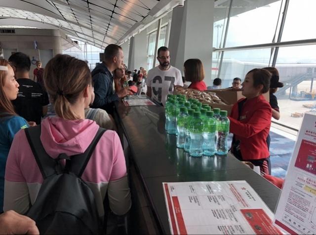 香港航空飞巴厘岛客机起飞半小时紧急返航!