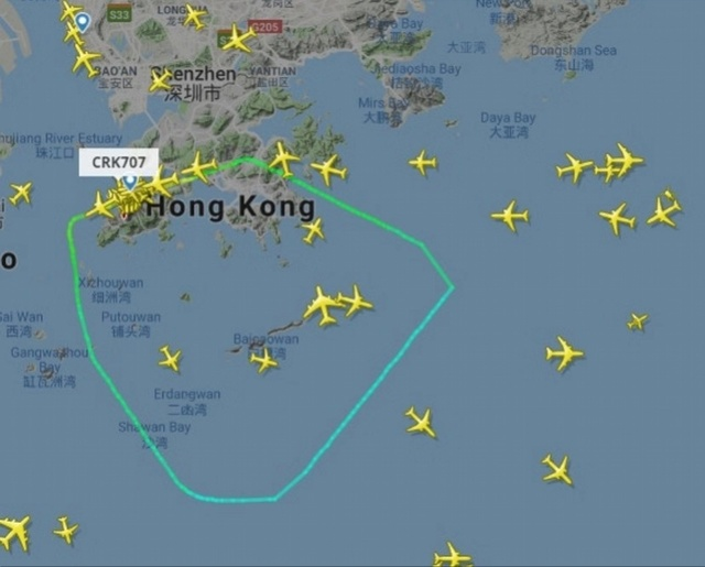 香港航空飛巴厘島客機起飛半小時緊急返航!着陸巨響冒出大量濃煙