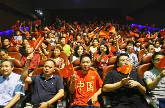 广深20家影院今早初次4K直播国庆阅兵式盛况,观众:太震慑了!