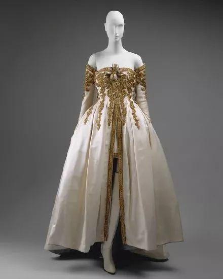 古董礼服 古董礼服鉴赏 时代色彩烙印新娘婚纱的历史