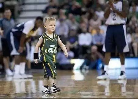 5岁!NBA签下的最小球员