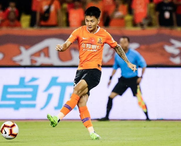 原创             两人入选!中超联赛9月最佳阵容,武汉卓尔艾志波与明天入围