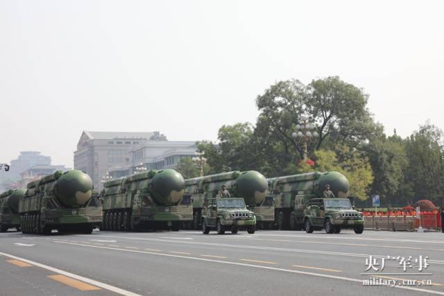 东风41亮相国庆:我国战略核力量的中流砥柱