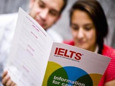 2020英国留学:留学申请?#31350;?#21551;,先考雅思还是先申请?