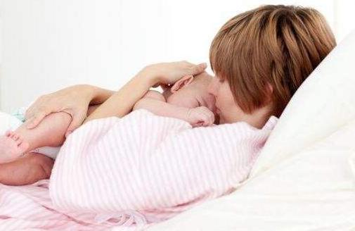 产后母乳喂养,妈妈一定不要做这4件事,可能会降低母乳质量!