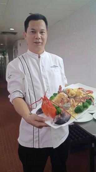 考上名校但读不起的他如今成大厨,一道菜炒6遍只为让客人满意
