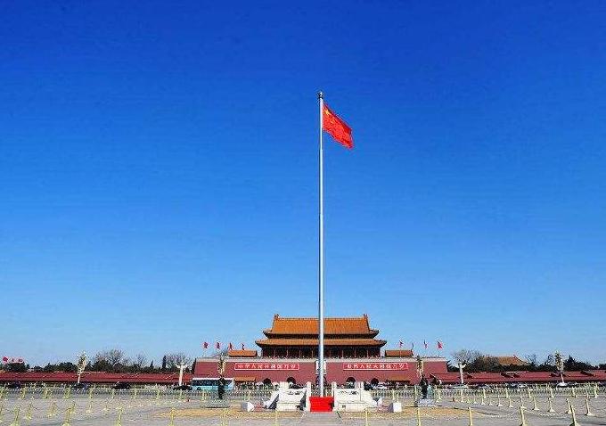 为何天安门国旗杆总长32.6米,而升国旗只升到28.3米,还有人不知道吗