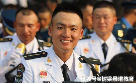 """实力圈粉!""""虎牙小哥哥""""杨金一,24岁读博,曾获数学建模一等奖"""