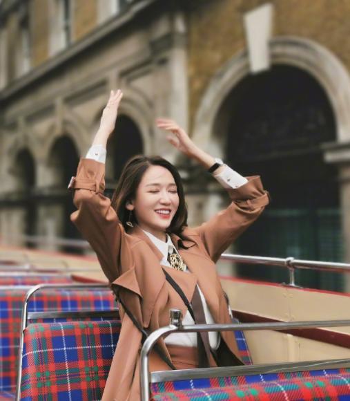 陈乔恩的穿搭,诠释时尚气质,美翻了的小清新感让你脱颖而出