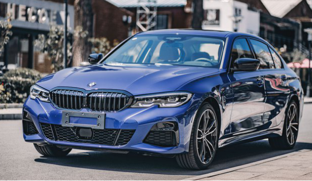 全新BMW3系外观彩世界APP犀利,堪