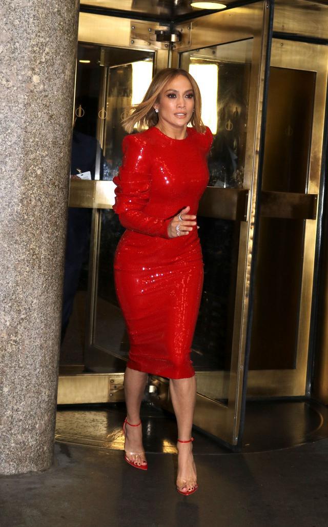 女星詹妮弗·洛佩兹现身纽约街头,她给人火热的感觉