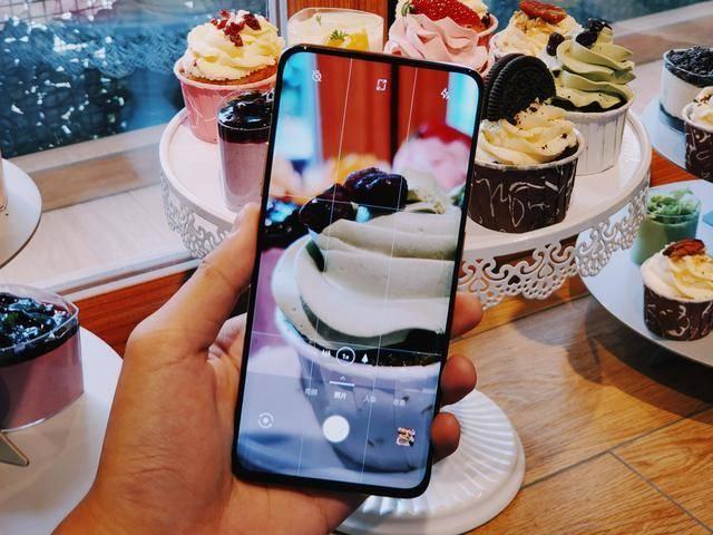 现在入手最好的4g手机是什么?