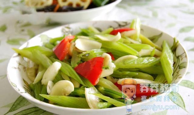 爽口润肺——百合炒芹菜