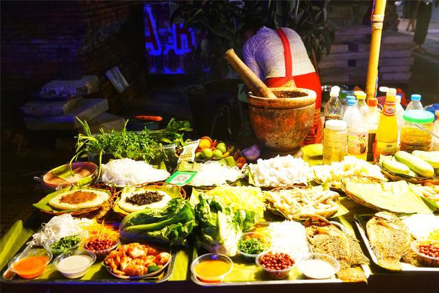 原创             西双版纳吃喝玩乐一站式体验,最接地气的赶摆街夜市感受6国风情