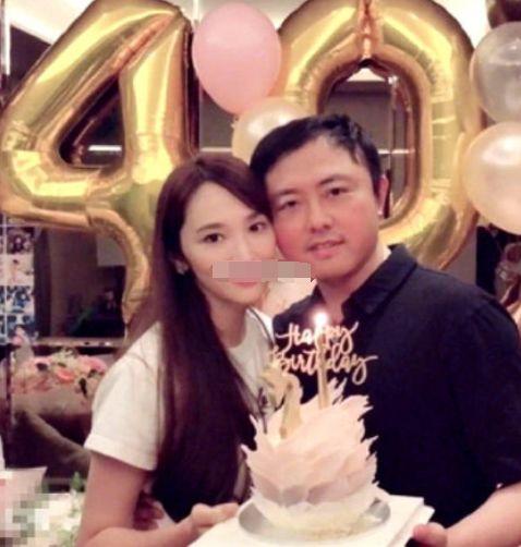 吴佩慈晒41岁庆生照,穿华丽长裙,温婉迷人尽显怀孕妈妈味道