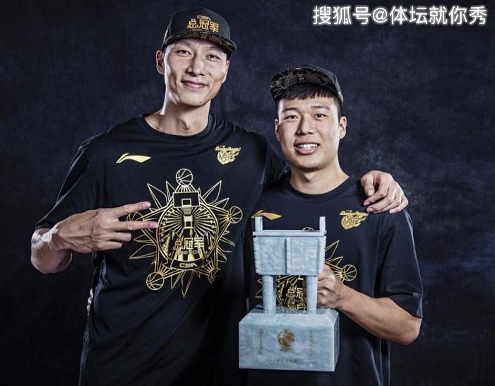 扎心了!CBA名宿之子20岁宣布退役,上赛季仅代表广东登场14分钟
