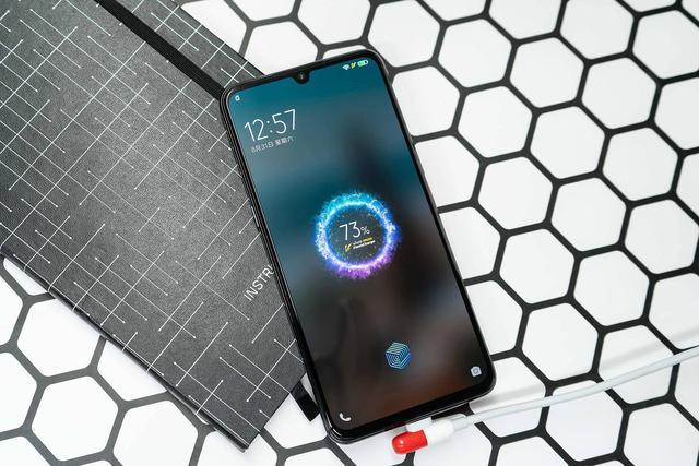 iQOO Pro 5G版全面现货,我:小米9 Pro?拜拜了您嘞