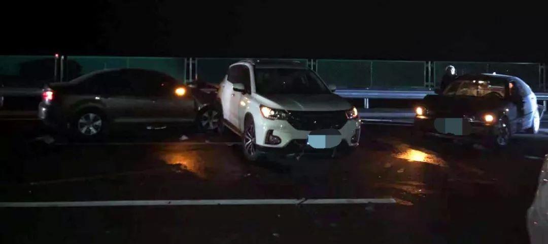 警示丨宁夏一女司机无证驾驶上高速出事故,罚款1500元拘留10日!