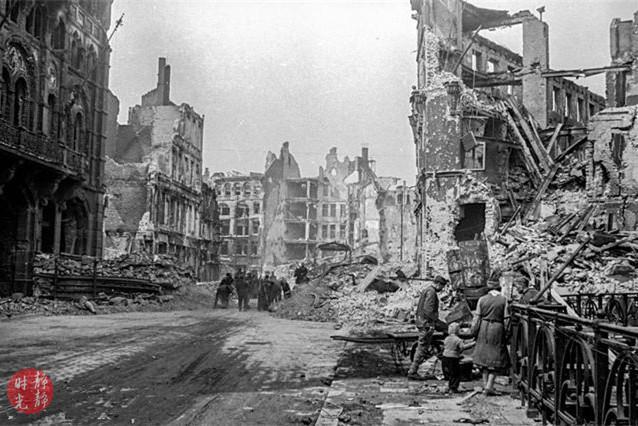 <b>老照片:1945年战败投降后的德国柏林</b>
