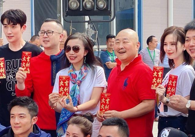 刘诗诗产后5个月首部电视剧开机,路透照曝光搭档朱一龙十分养眼