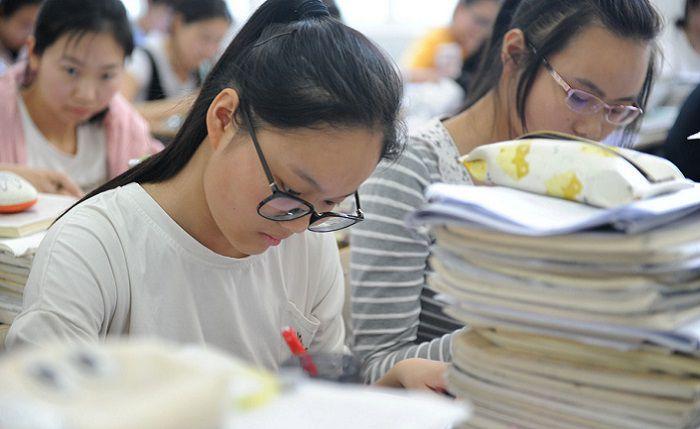 高三学生学习任务重时间紧,该不该拥有周末?疲劳战术不一定可取